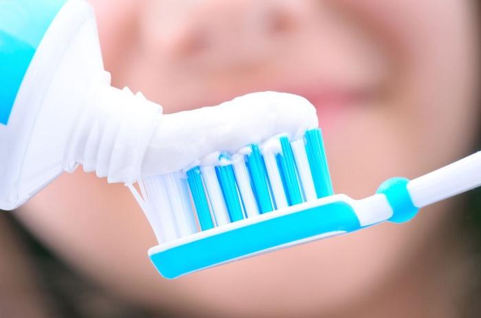 Οδοντόκρεμα λεύκανσης