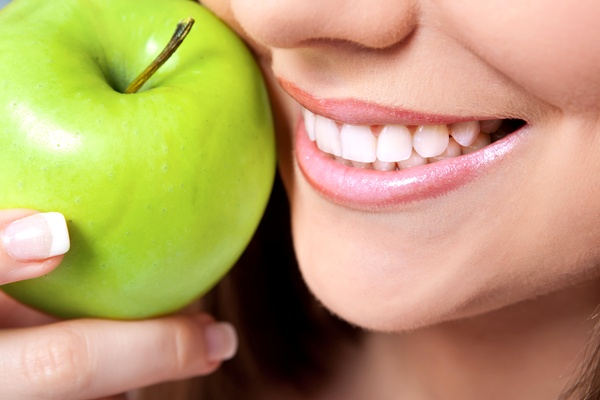 Λεύκανση Δοντιών Με Φυσικό Τρόπο